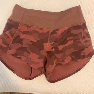 New! Lululemon speed up shorts pink camo! Size 4